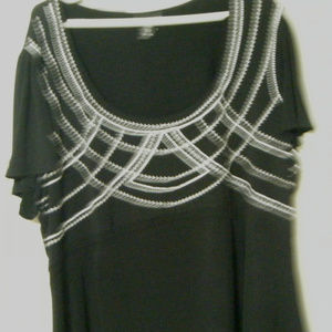 Black and White Short Sleeve Top 24 26